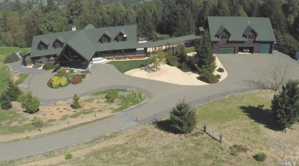 An aerial view of the primary residence on this $9,991,123 property.