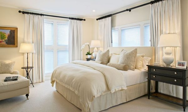 Traditional-neutral-bedroom