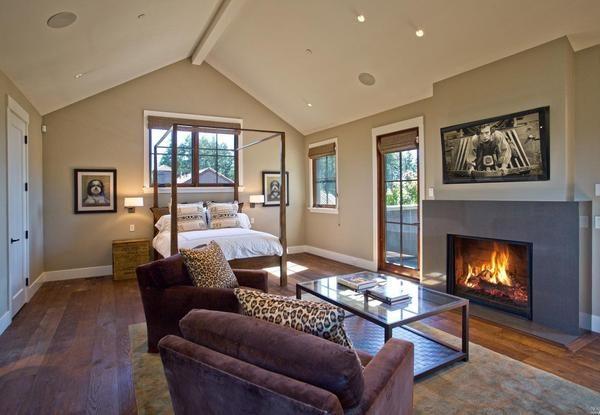 Guest cottage interior.
