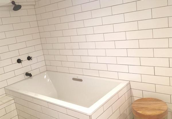 Bathtub. (Image via Pacific Union International)