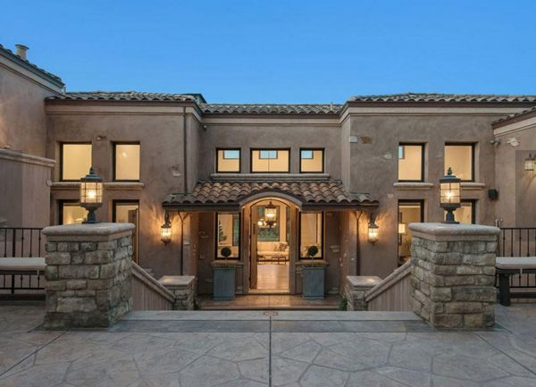 620 Sugarloaf Court, Walnut Creek - 3,700,000 (All images via Andy Read and Ana O'Byrne of Caldecott Properties.)