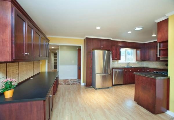 Kitchen. (Photo courtesy of Century 21 Alliance)