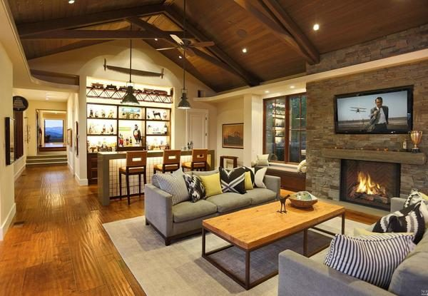 Informal living room.