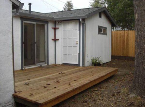 Backyard. (Image courtesy of RealtorMug)