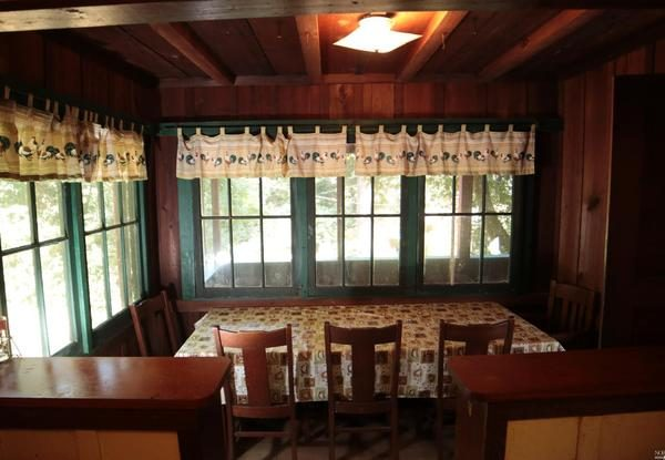 Dining area. (Photo courtesy of Pacific Union International)