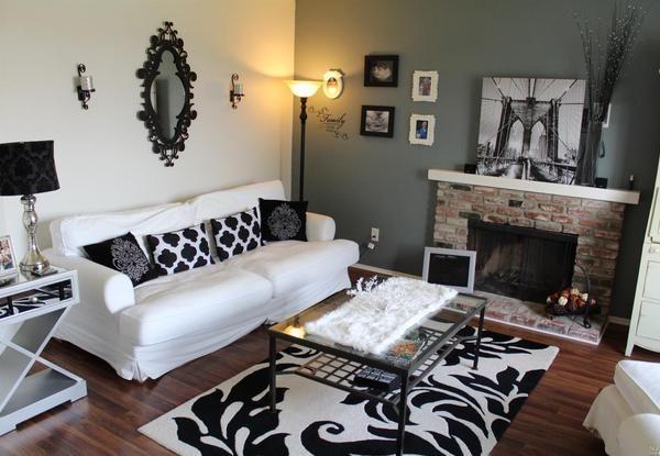 Living room. (Image courtesy of CENTURY 21 Bundesen)
