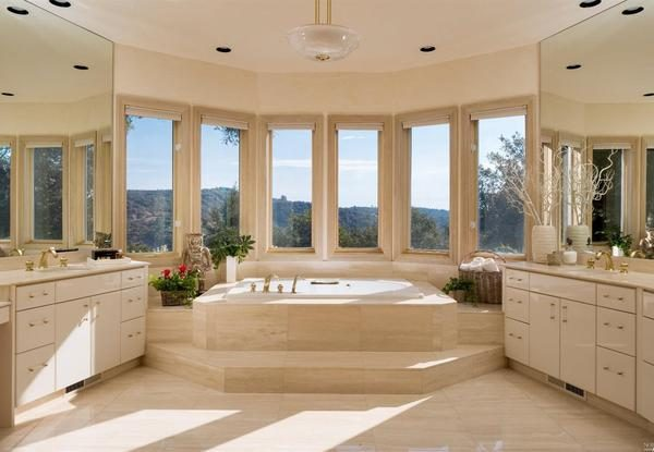 Master bathroom. (Photo courtesy of Intero Real Estate Services)