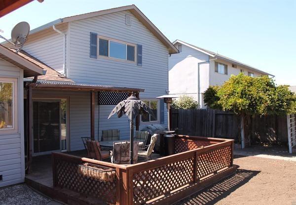 Backyard. (Image courtesy of Zephyr Real Estate)