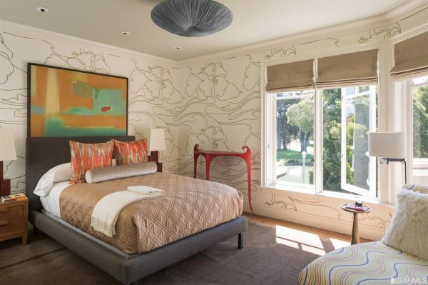 Bedroom. (Photo courtesy of Venture Sotheby's Int'l Realty)