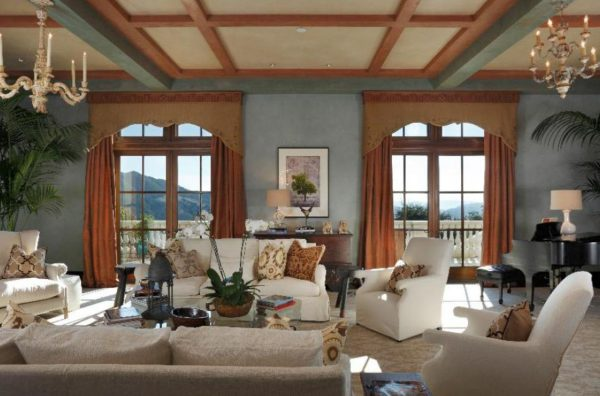Living room. (Image courtesy of Coldwell Banker Previews International)