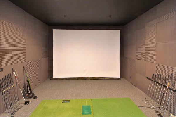 Golf room.