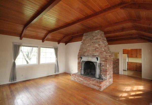 Living room. (Photo courtesy of Century 21 Alliance)